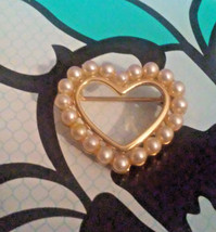 Vintage Signed Napier Faux Pearl Small Heart Gold Tone Pin Brooch - $4.75