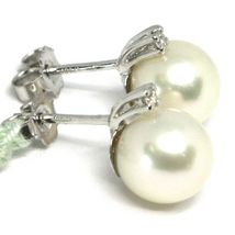 18K WHITE GOLD EARRINGS WITH WHITE ROUND AKOYA PEARLS 8.5 MM AND DIAMONDS image 3