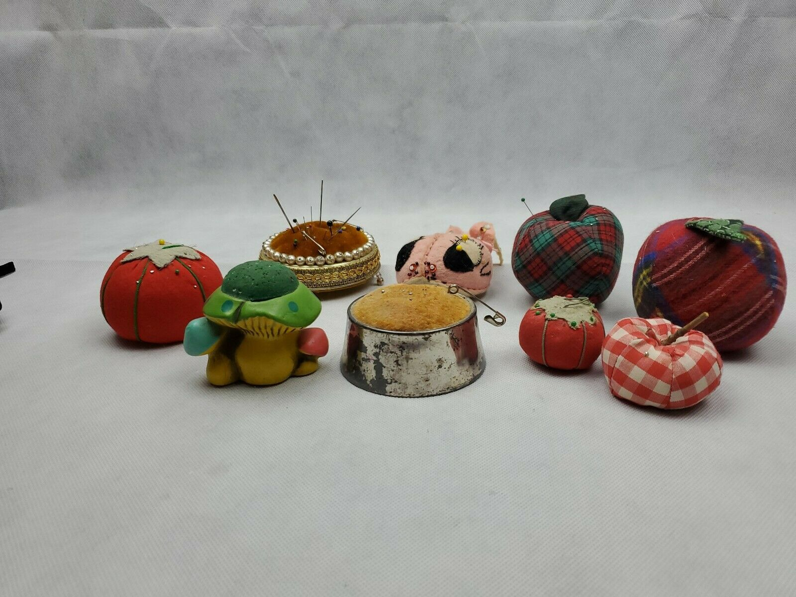 Huge Lot of 9 Vintage Pin Cushions Tomatoes apple mushroom metal Needle Sewing image 2