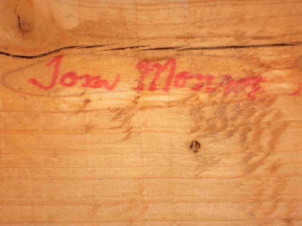 Tom Morris Carved Folk Art Shore Bird Glass Eyes Wire Legs Standing on Driftwood