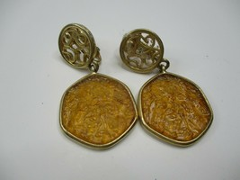 VTG Sarah Coventry Faux Amber Gold Tone Dangling Clip on Earrings - $16.59