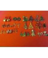 Retro / Vintage Lot of Christmas Costume Jewelry - Pins and Pierced Earr... - $243,21 MXN
