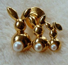 Avon Trio of 3 Bunny Rabbits Pearl Tails Gold Tone  Pin Brooch Signed EUC - $6.92