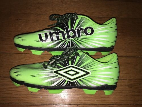 b55ad64d5 ... UMBRO GREEN SOCCER CLEATS - GREEN - BLACK - ( SIZE 2Y ) YOUTH Boys ...