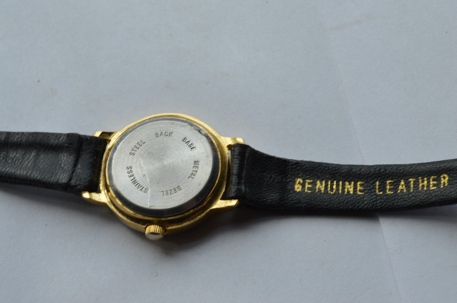 Vintage ''TIME'' women's quartz watch, Leather band,  Runs,  NEW BATTERY image 3