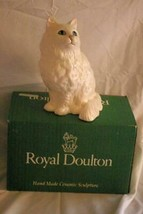 "Royal Doulton 1989 Persian White Cat Figurine #1867 DA126 8 1/2"" With Box - $62.36"