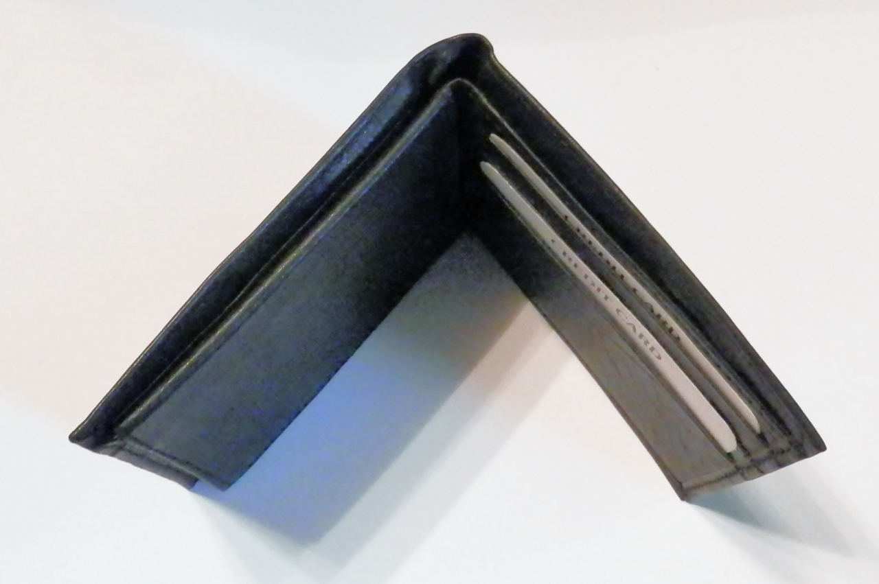 Genuine Leather Men's Bi-Fold Wallet- #60 BLACK