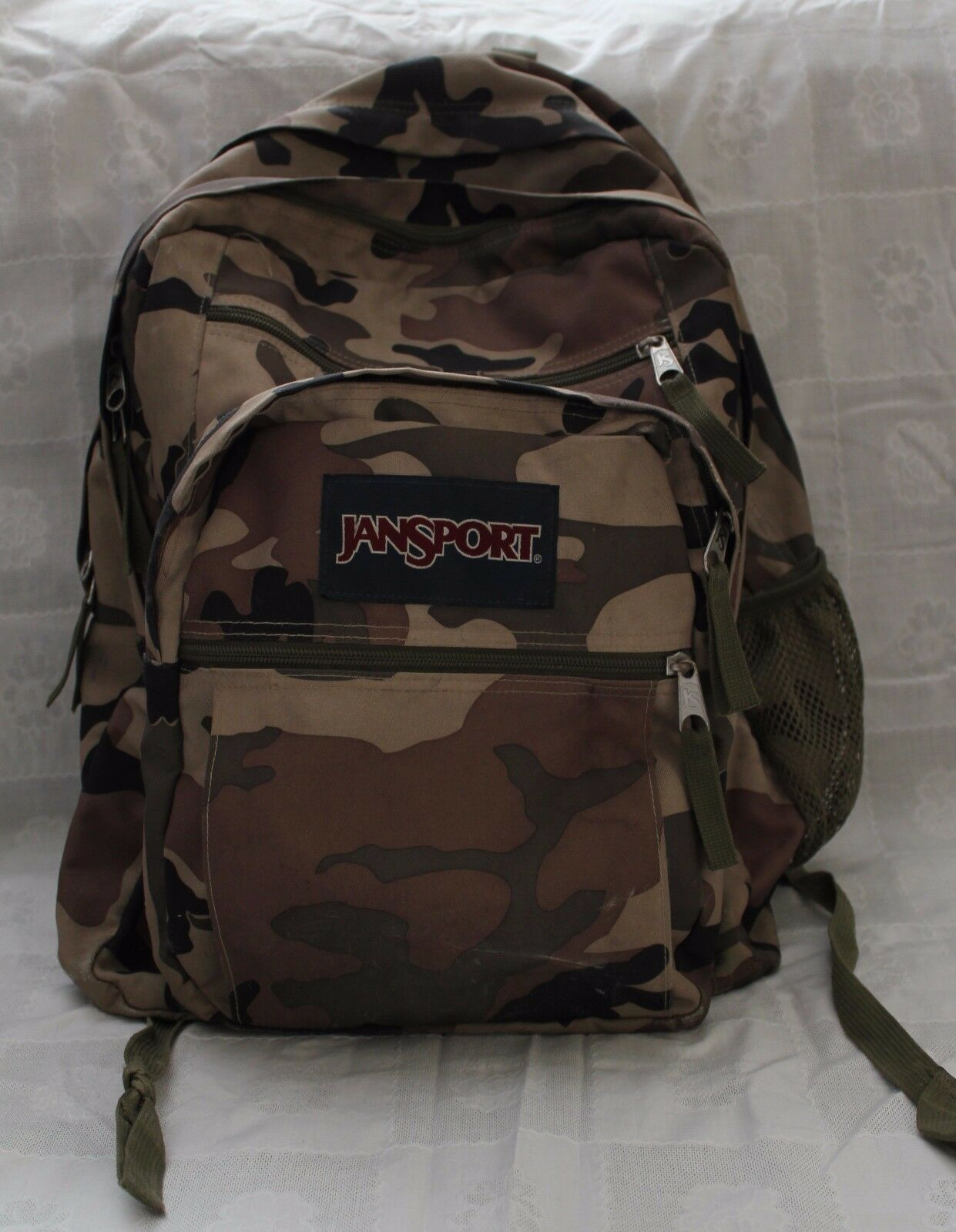 Primary image for JANSPORT Hiking/School/Hunting Backpack Large 6 pockets w/organizer TDN7