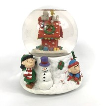 Peanuts Snow Globe Christmas Lucy Charlie Brown Snoopy Doghouse Woodstock Linus - $22.30