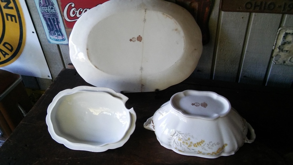 Lidded Tureen & Large Under Plate John Maddock & Sons c. 1880 FREE SHIPPING!