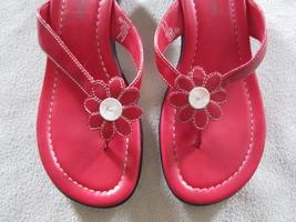 Hillard & Hanson Red & White Flower Sandals Siz... - $19.99