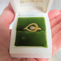 1977 Vintage Avon Catch A Star Ring Goldtone Rhinestone Size Large 7-9 S... - $11.25