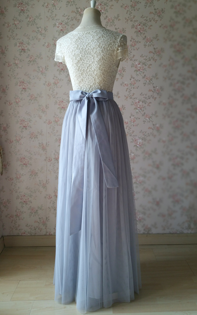Tulle skirt light gray 27 knot 2