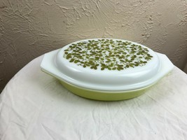 Pyrex Verde Green Olives 1 1/2 Qt Divided Casserole Dish with Lid Excellent  - $14.92