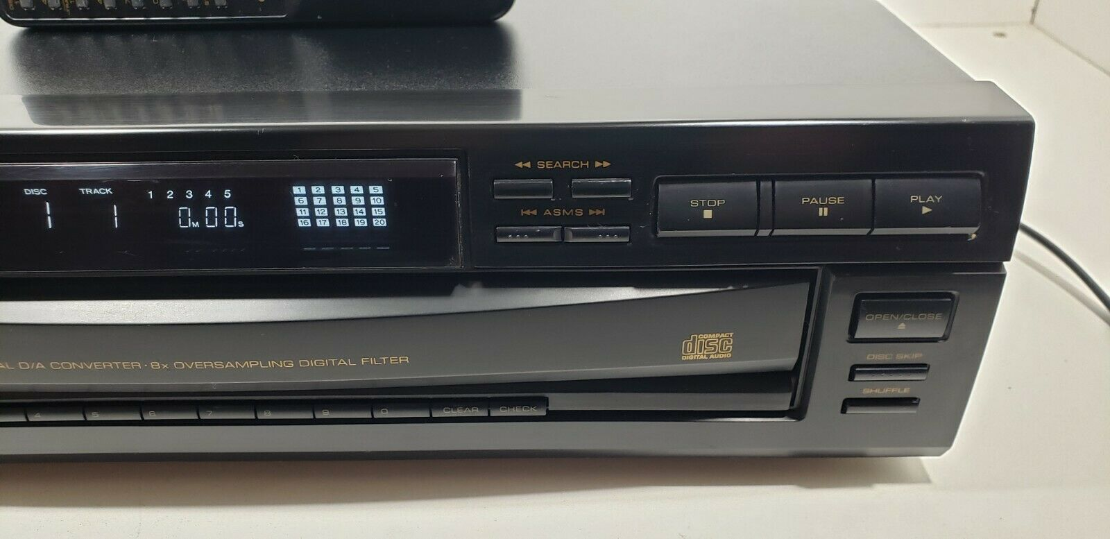OPTIMUS 5-Disc Automatic Changer CD-8250 with Remote.. Tested