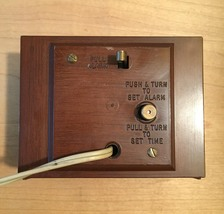 "Vintage 60s Westclox Electric ""Dunbar"" clock with sweep second hand and alarm image 5"
