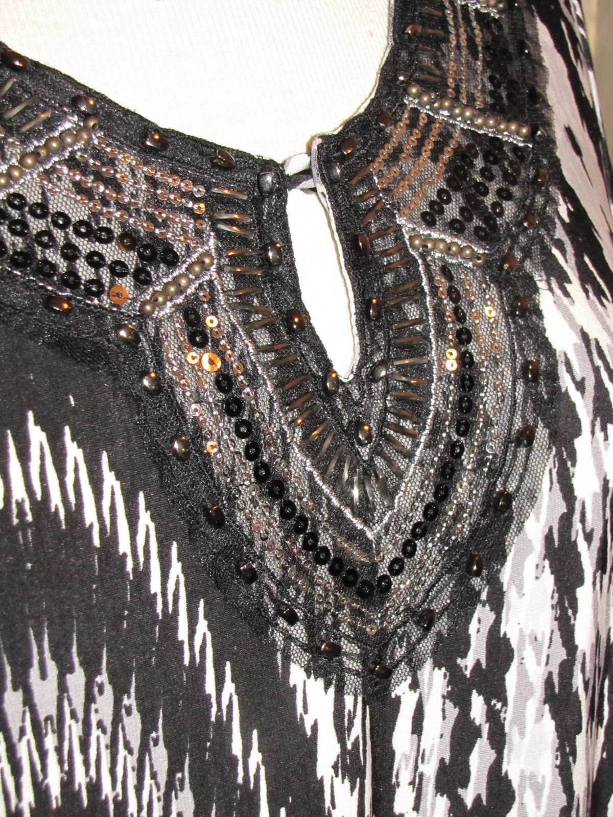 7 WONDERS black artsy abstract stretch polyester long sleeve blouse M (T2802B8G)