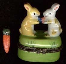 TWO BUNNY RABBIT FRIENDS HINGED BOX - $11.00
