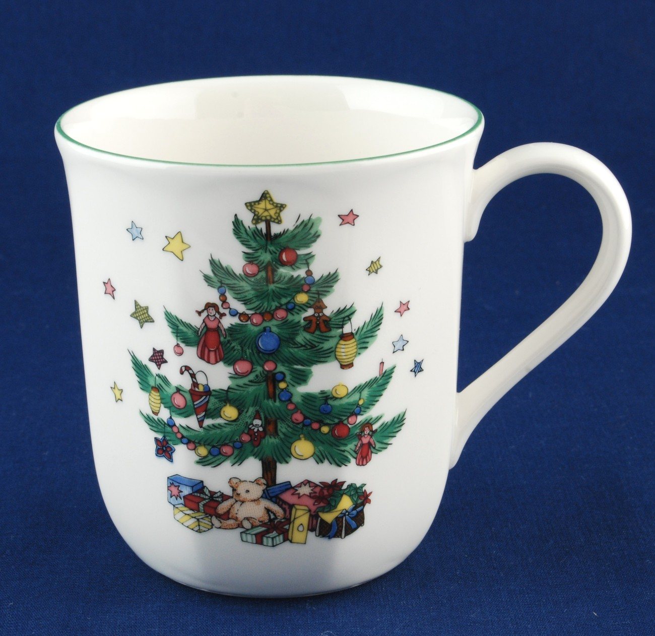 Nikko Christmastime Mug 3-1/2\