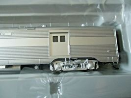 Walthers Proto Stock # 920-9661 Santa Fe 85' PS Bag-Dorm Trasition Deluxe # 2  image 3