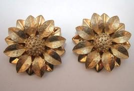 Vintage Sarah Coventry Golden Sun Flower clip on earrings - $15.00