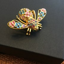 Vintage Signed JOAN RIVERS Limited Edition Wild Flowers Bee Pin. - $84.52