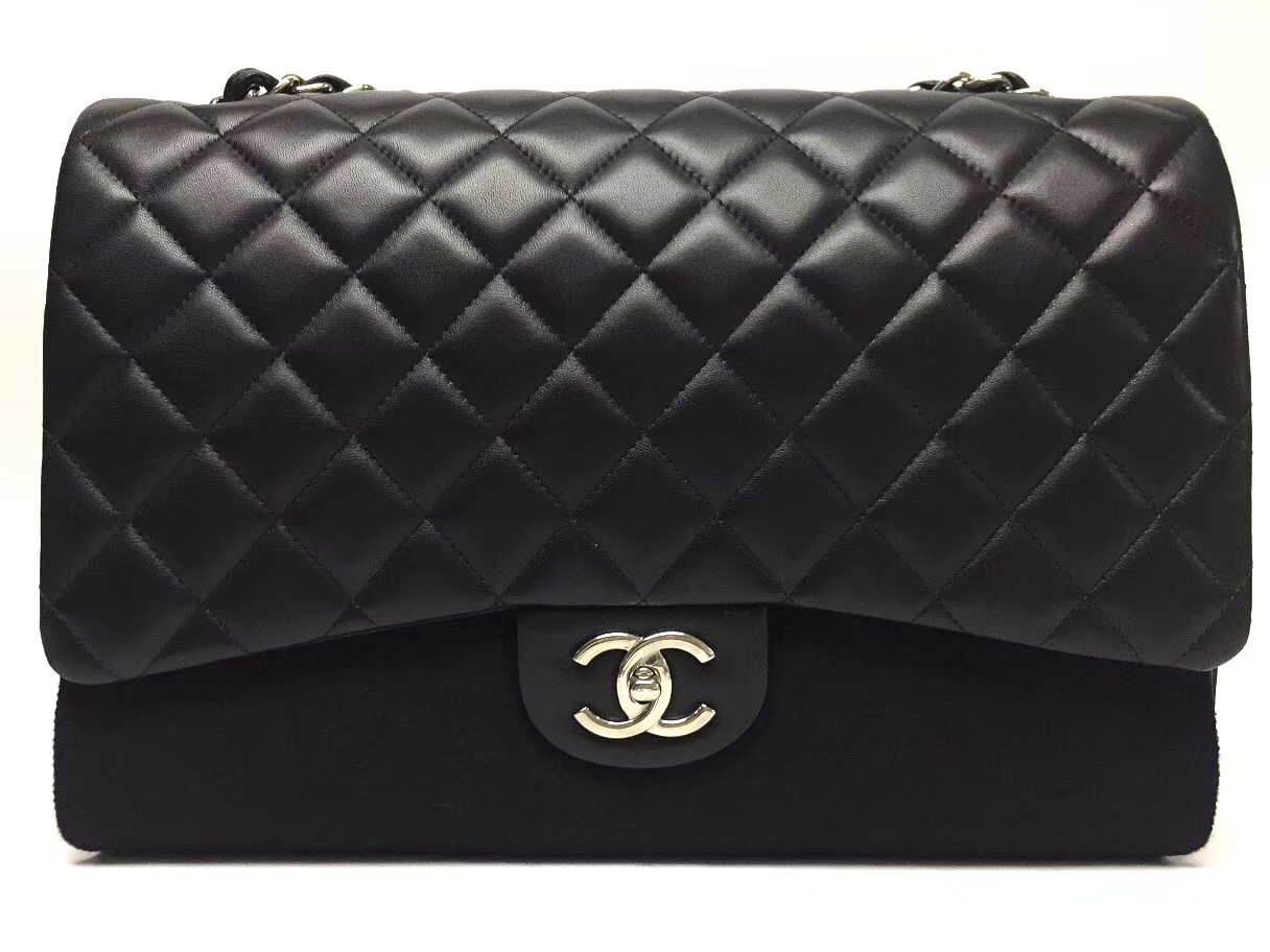 AUTHENTIC CHANEL BLACK QUILTED LAMBSKIN MAXI CLASSIC DOUBLE FLAP BAG GHW