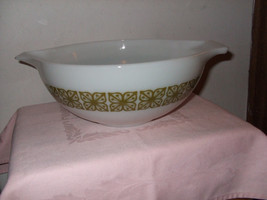 "Vintage Pyrex CInderella Mixing Bowl ""Verde""-- #444 - $27.00"