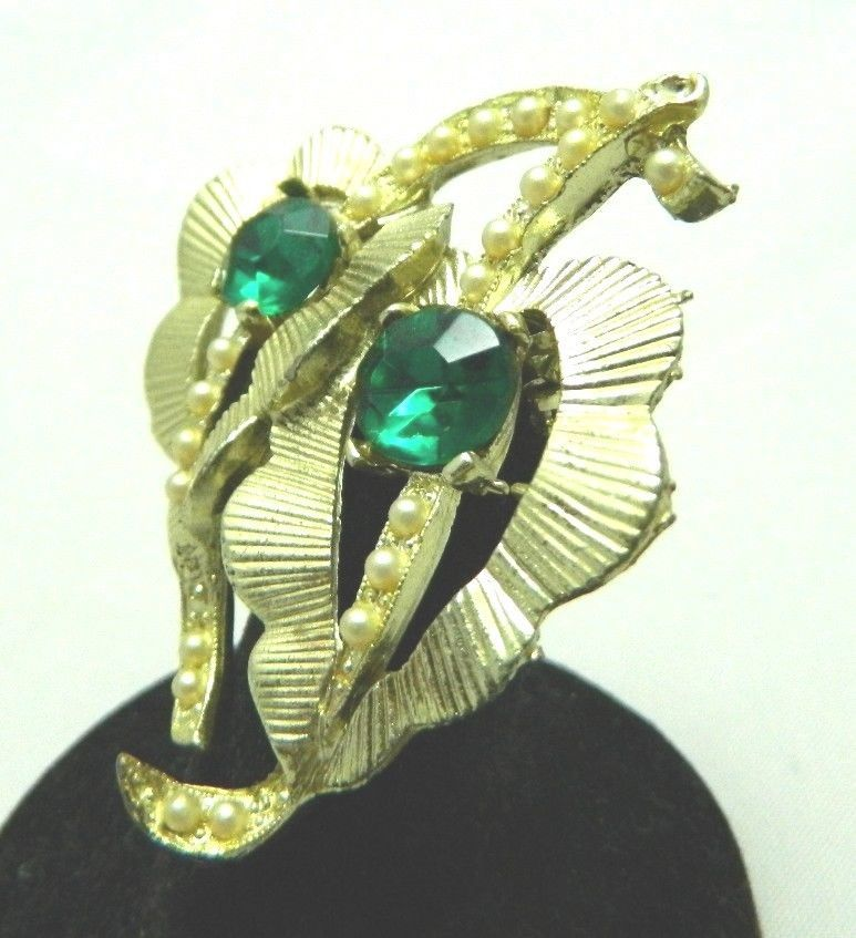 VTG Gold Tone Faux Pearl Green Glass Rhinestone Leaf Leaves Pin Brooch