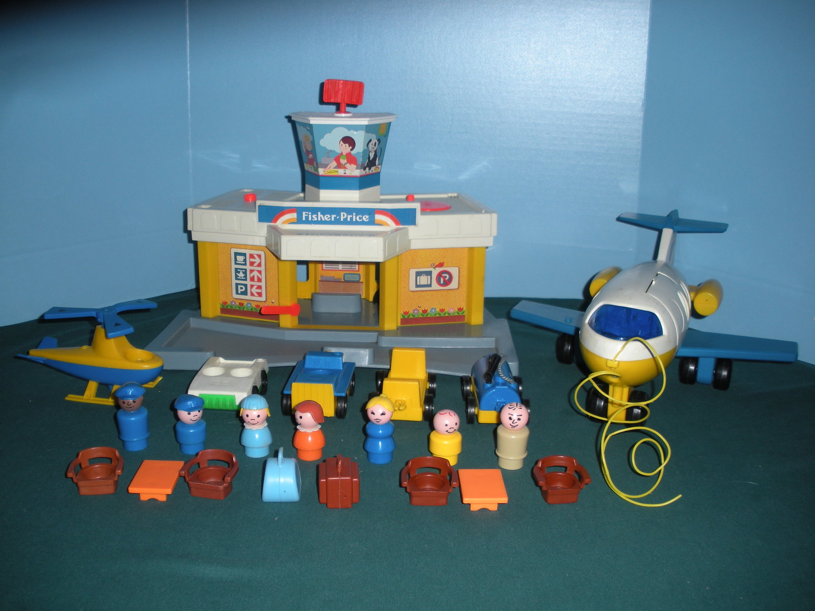 Primary image for Vintage Fisher Price Play Family #933 Jetport Complete/VG+-VG++ (E)