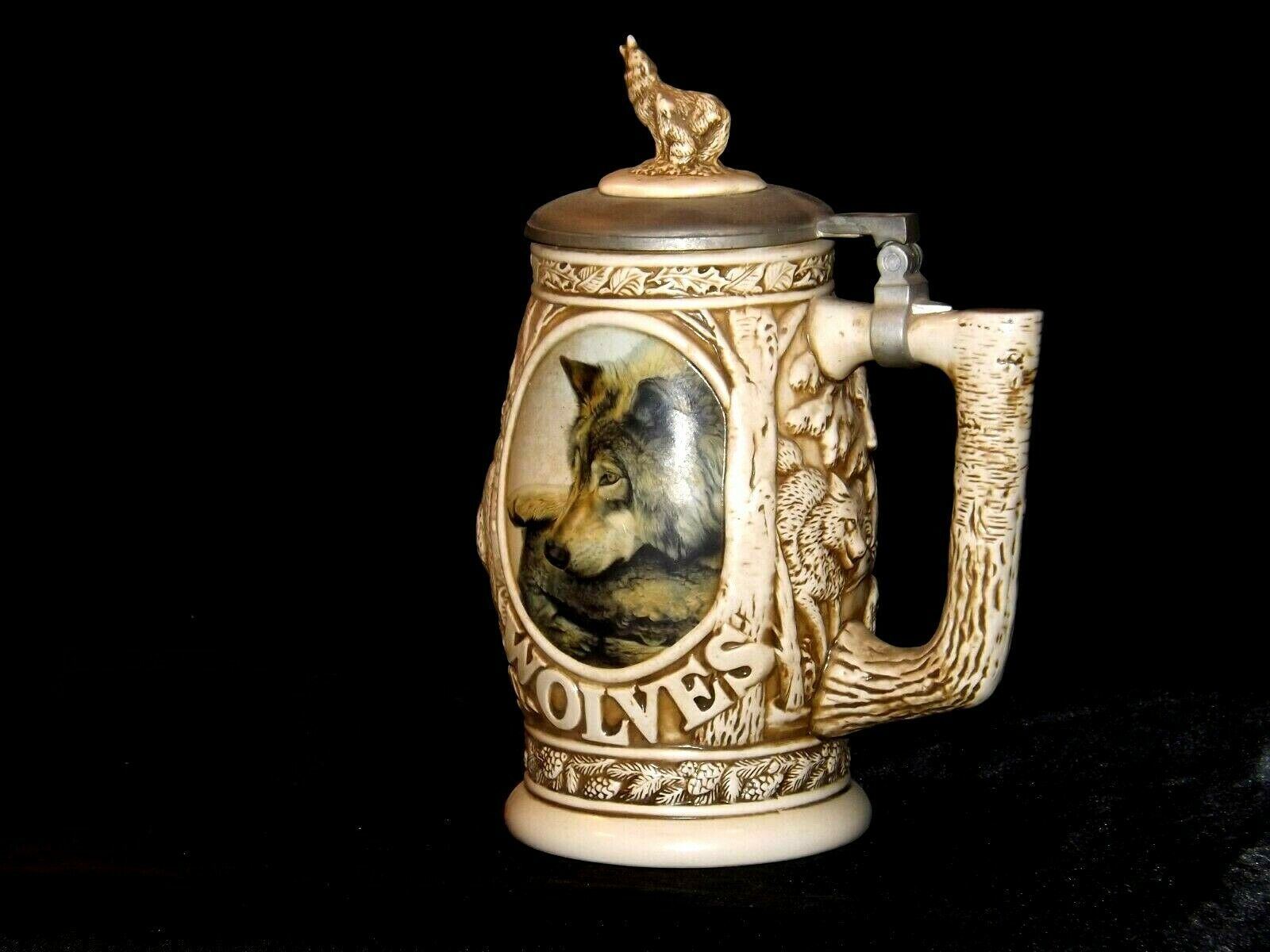 1997 Wolf Stein with lid AB 241 Vintage