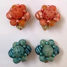 Vintage Sugar Bead Clip On Cluster Earrings Pink Blue Beaded Hong Kong Lot - €22,77 EUR