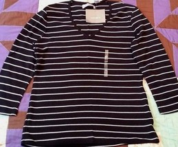 LIZ CLAIBORNE BLACK WHITE STRIPE V NECK KNIT SHIRT TOP SIZE S STRETCH NWT - $16.98