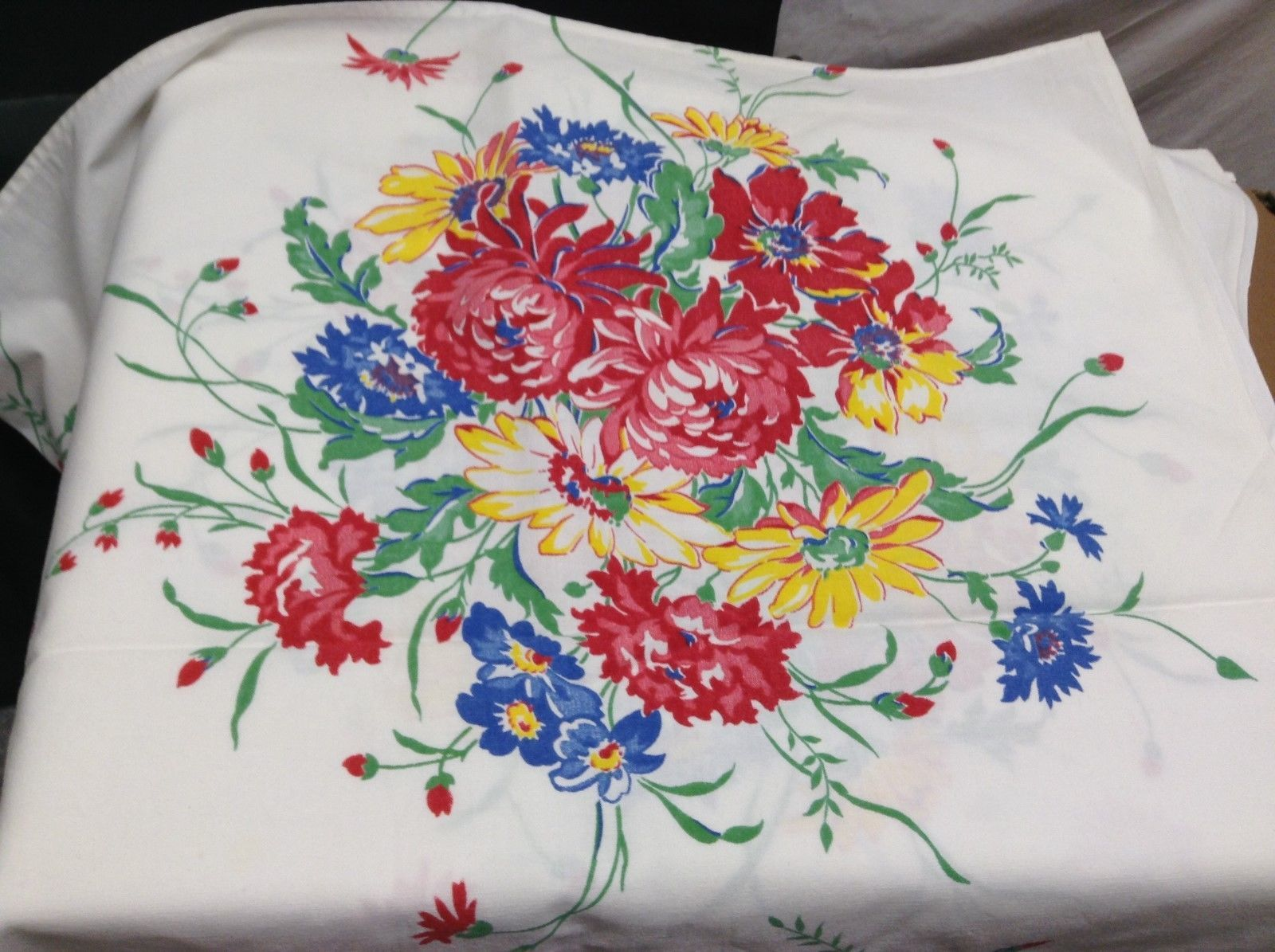 Vintage White Tablecloth w Bright Floral Pattern