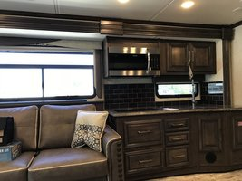 2019 Coachmen Sportscoach 404 RB For Sale In Davie, FL 33331 image 12
