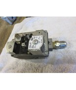 TRANE FURNACE GAS VALVE  MODEL# 36E22 207 TRANE PART  C33095P01 - $37.40