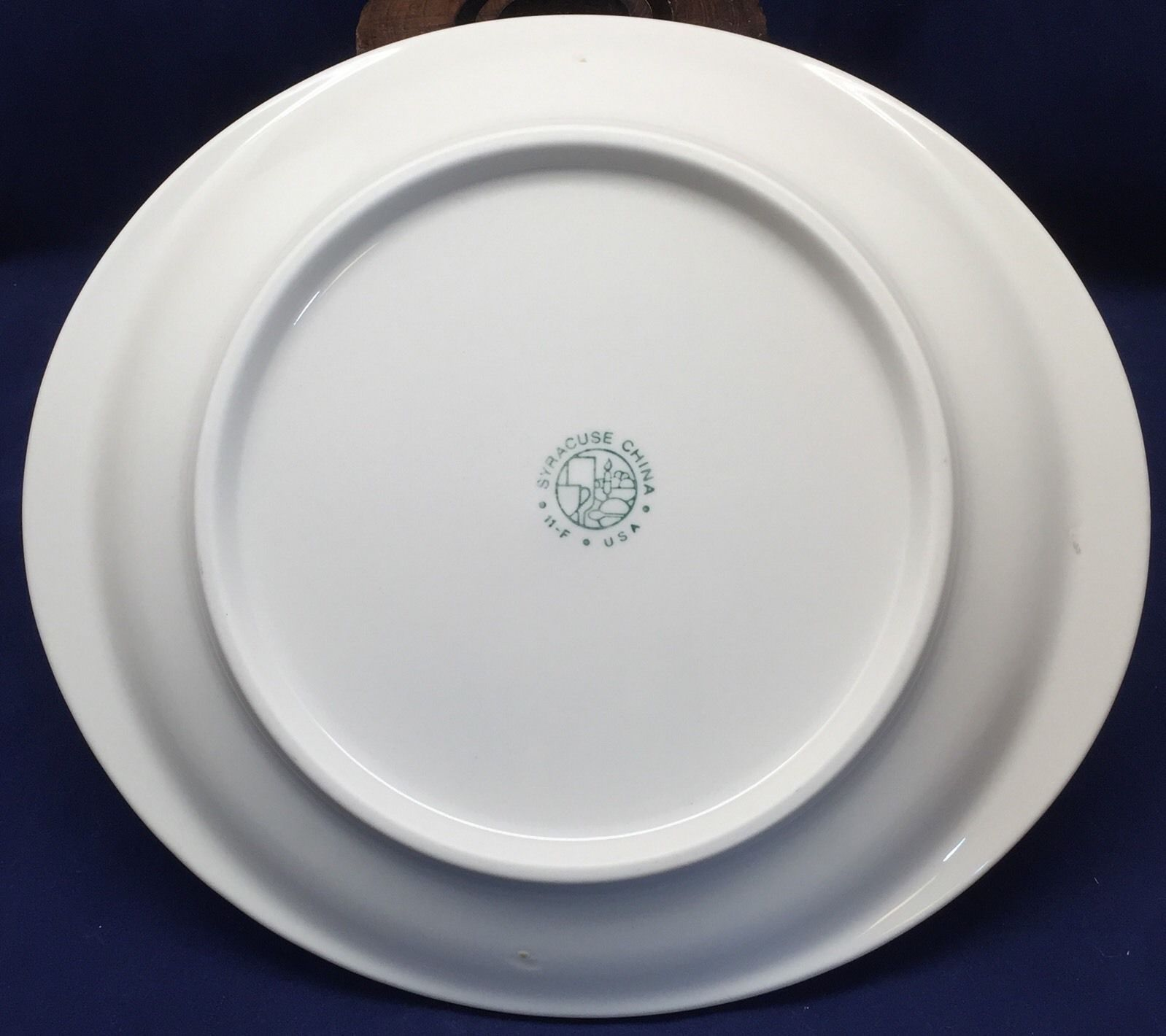... Syracuse China Embassy Oval Platter Maroon Border Gray Scroll Red Restaurant ... : red scroll dinnerware - Pezcame.Com