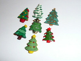 "Christmas Trees Decorations Realistic Shank Buttons 1"" Christmas Trees A... - $4.45"