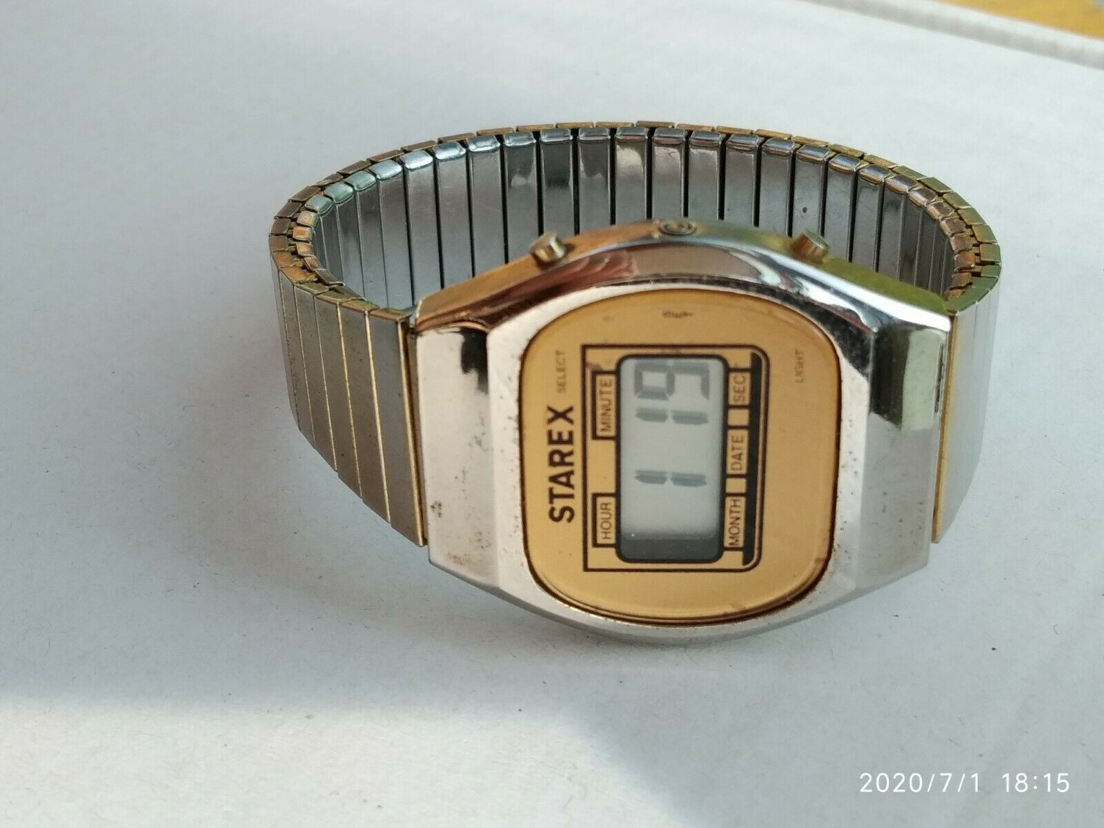 Primary image for Starex men's quartz digital vintage watch gold tone