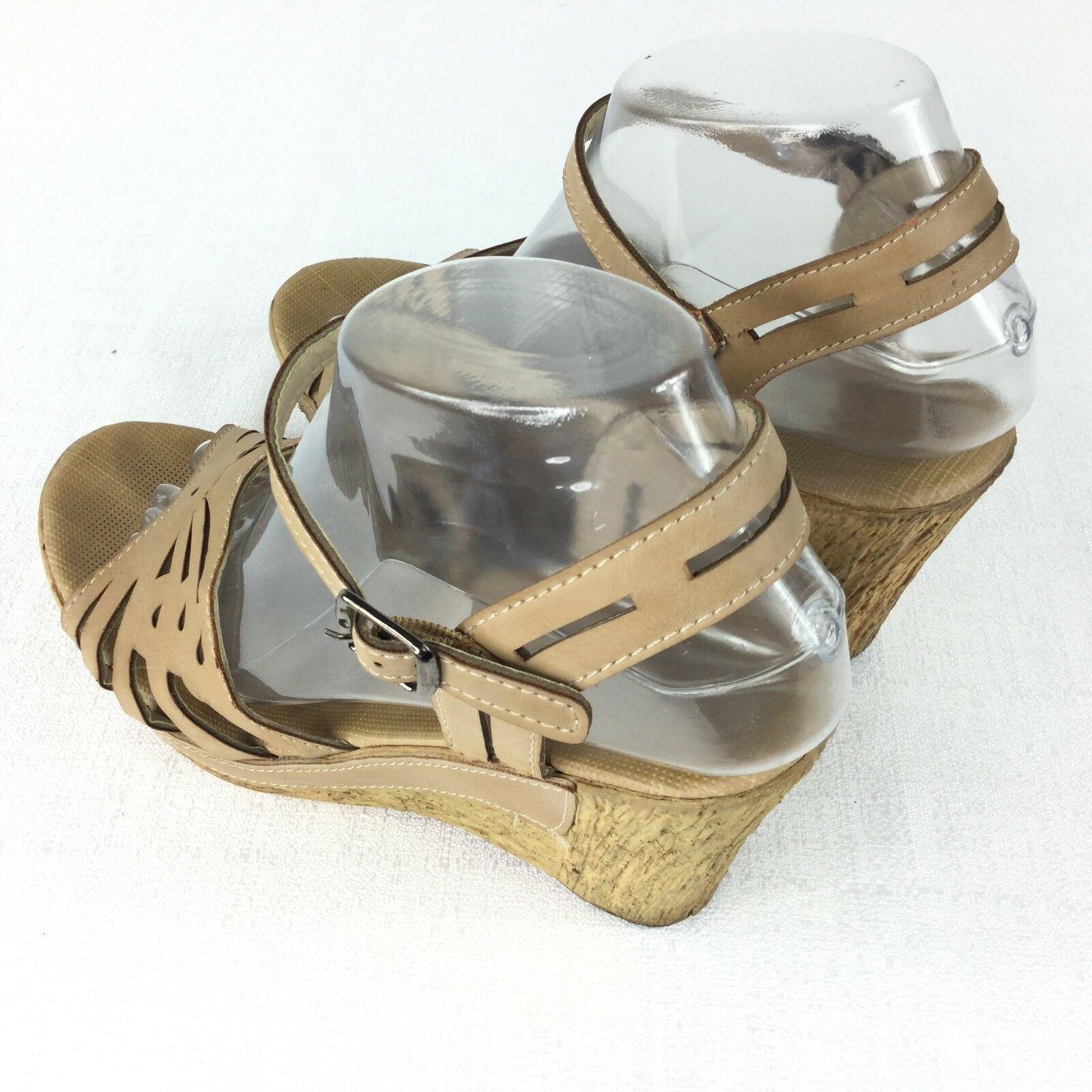 D Magenta Platform Shoe Beige Women Size 7.5