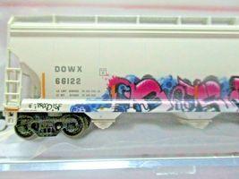 Atlas # 50005645 (Chrstmas Graffiti) ACF 580 Plastics Hopper #66122 N-Scale image 5