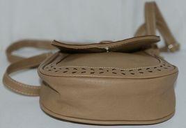 Non Branded Womens Tan Zipper Saddle Bag Purse With Adjustable Shoulder Strap image 5
