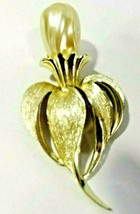 Large Blister Pearl Vintage Pin Sarah Coventry Flower Bud Mid Century - $16.00