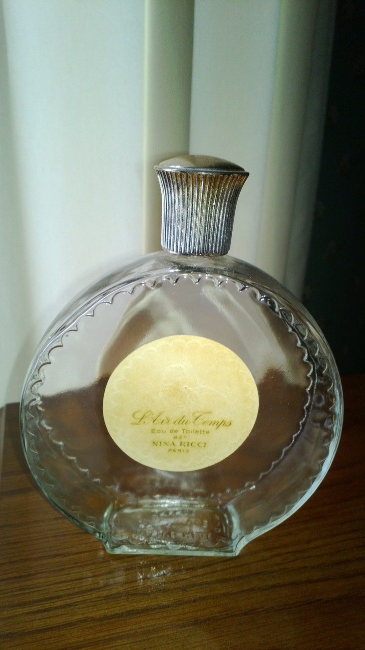 Vintage L'Air du Temps Lalique bottle Made in France