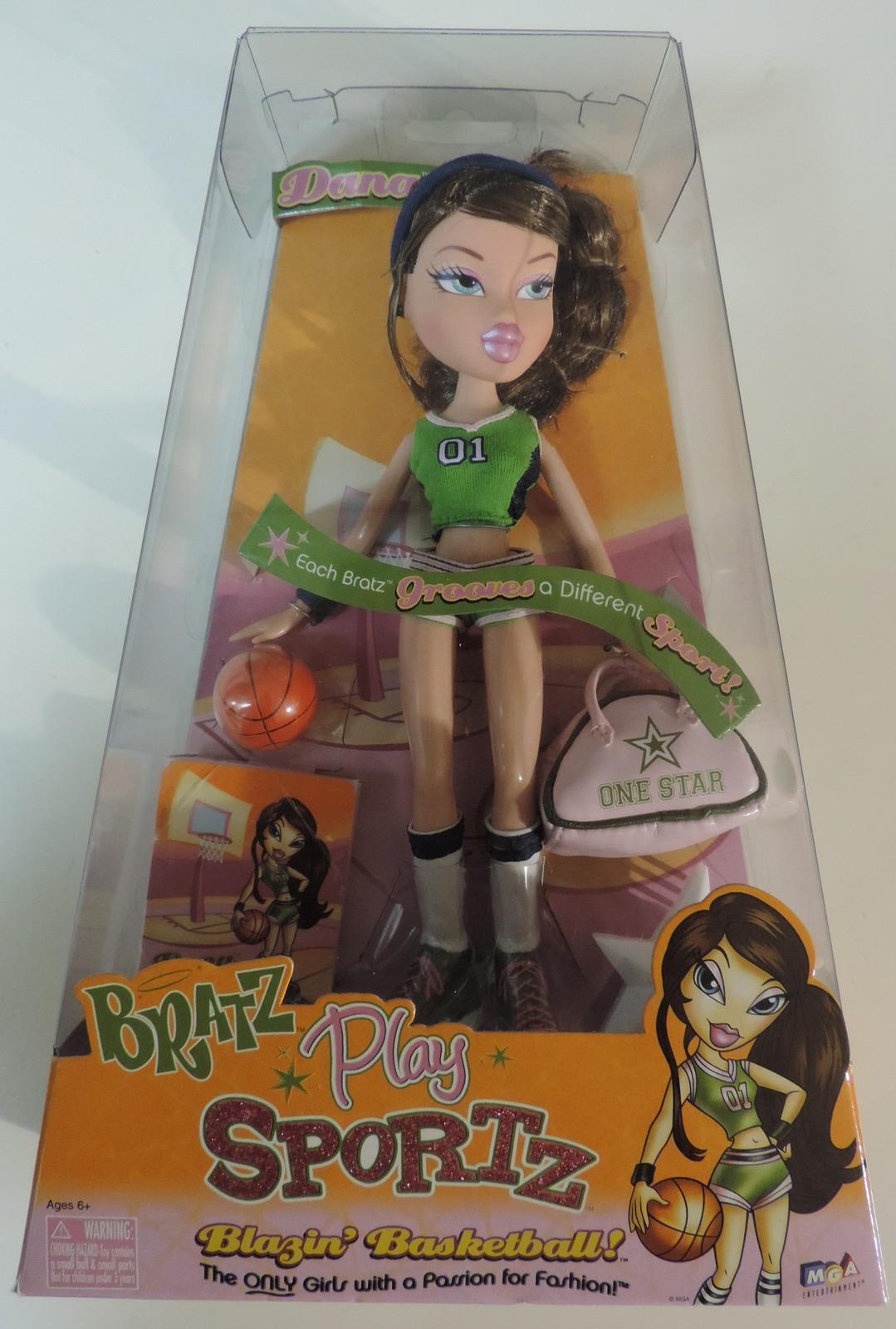 Bratz Play Sportz Blazin' Basketball Dana doll ( Barbie Monster High Liv ) - New