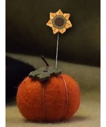 Pumpkin Pattern+ Mini Pincushion kit (pp509) JABC Just Another Button Co - $8.10