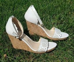 LIZ CLAIBORNE Janessa Wedge Size 9.5 Womens White Open Toe Style Fashion Sandals - $17.82