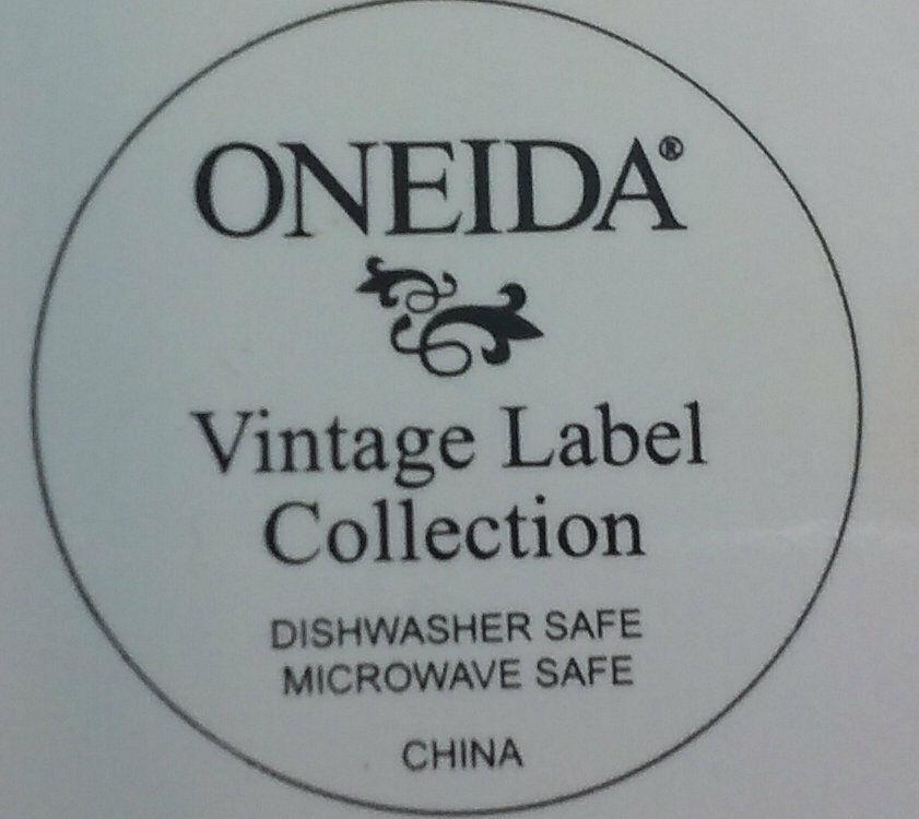 Oneida Vintage Label Collection Mountain Apple & Waldorf Plates Duthie OR WA