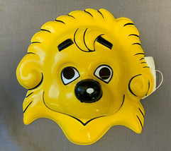 BERENSTAIN BEARS BROTHER BEAR PVC MASK HALLOWEEN  CHILD SIZE - $12.97 CAD