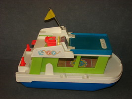 Fisher Price Little People 985: Happy Houseboat 1972 - $12.00